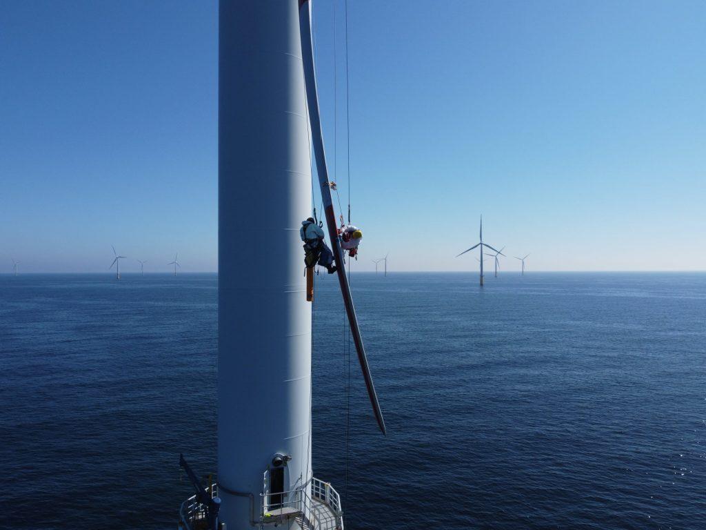 wind turbine technician, wind turbine